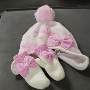 Toddler white and pink fleece hat and mittens